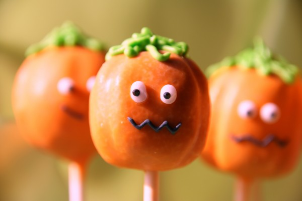 Decorating Cake Pops Uk : pumpkin cake pops 148 Baking, Recipes and Tutorials ...