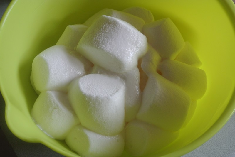 Marshmallow sweetie flowers baking recipes and tutorials the pink - Marshmallow Rice Krispie Treats Baking Recipes And
