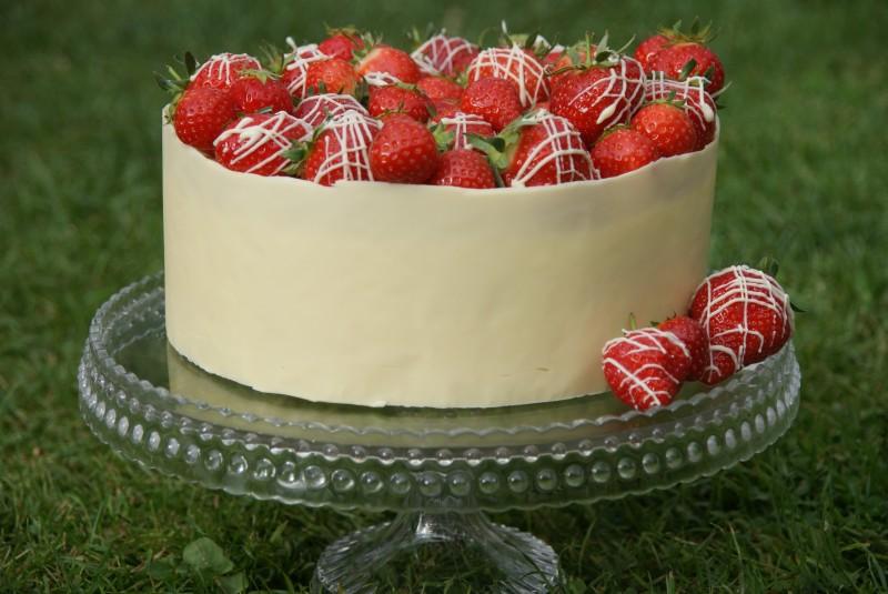 white chocolate mud cake 093