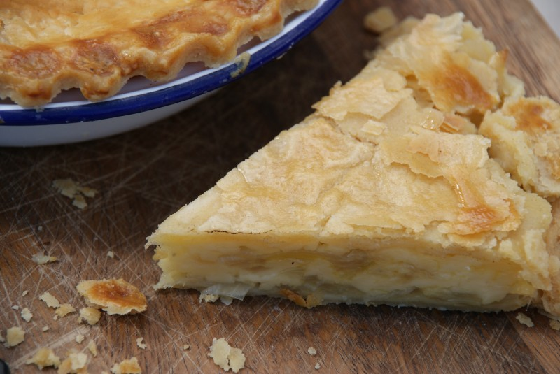Cheese u0026 Onion Pie 043 & Cheese u0026 Onion Pie | Baking Recipes and Tutorials - The Pink Whisk