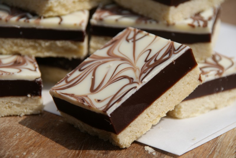 chocolate caramel shortbread 094