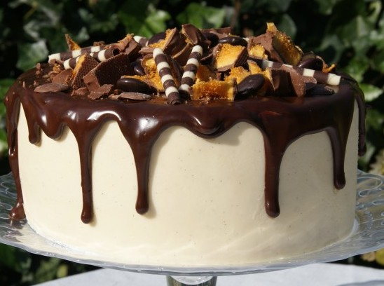 Vanilla Layer Celebration Cake 076