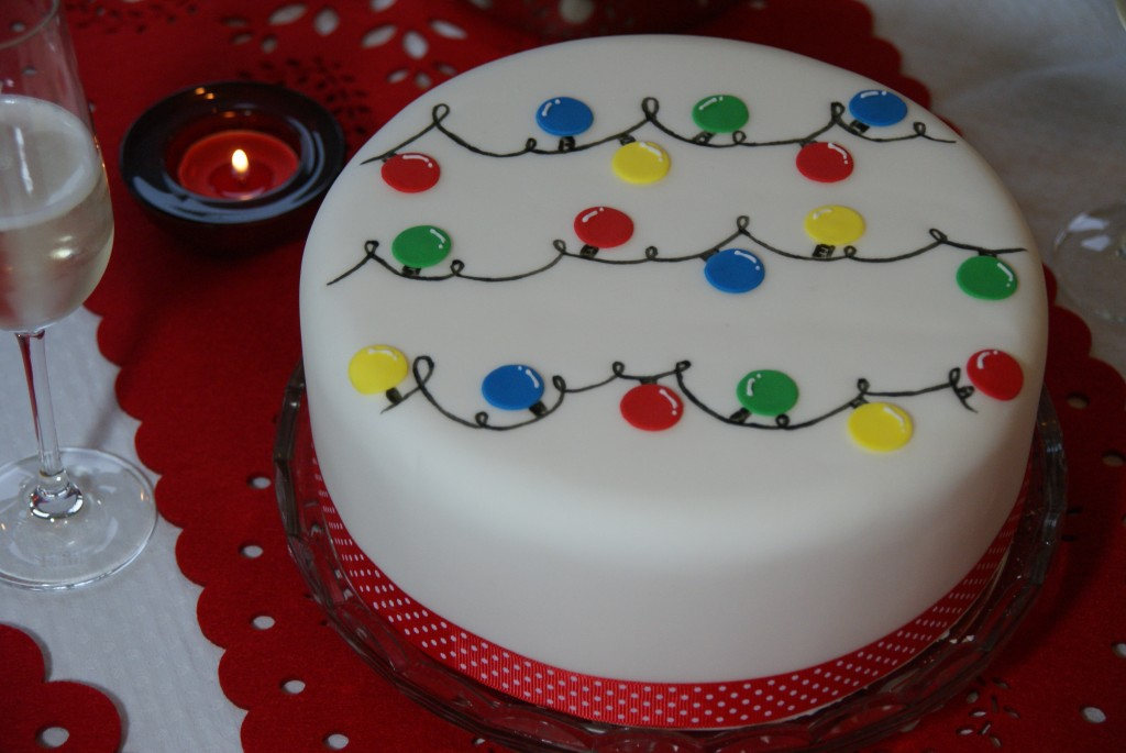 and a stunning Ice White Snowflakes Cake & Day 1 u2013 Ideas for Decorating your Christmas Cake | Baking Recipes ...