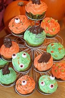 Gruesomely Vile Halloween Cupcakes