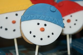 Snowman Cookie Lollipops